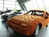 Auto mit Ganzkörper-Airbag