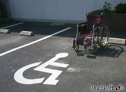 Rollstuhl-Parkplatz