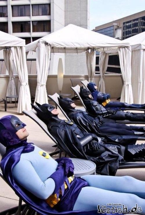 Superhelden beim Sonnenbad